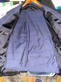 Hugo Boss Blue Slim fit Mens suit size 46L (56L UK)