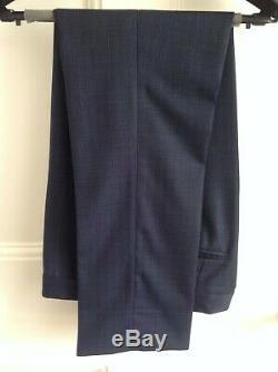 Men's HACKETT three piece suit, slim fit, fine wool, subtle navy check, size 36