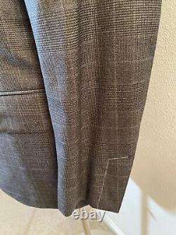 NWT Tom Ford 100% Wool Gray Plaid Shelton Fit Peak Lapel Two Button Suit 40R