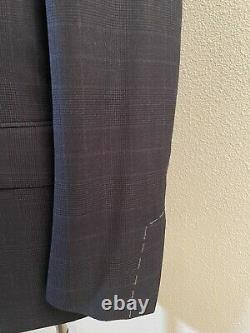 NWT Tom Ford 100% Wool Navy Blue Shelton Fit Peak Lapel Two Button Suit 40R